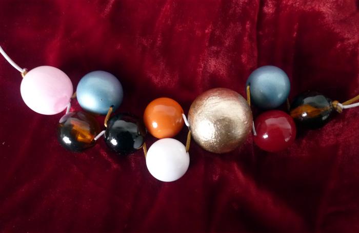 collaret-boles-diferents